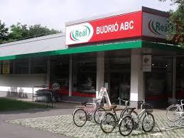 Reál Grocery Store